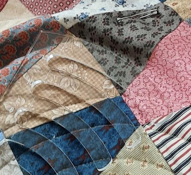 Jacquie A #12: Tumbler quilt
